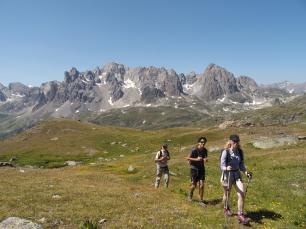 Escursionisti nella valle della Clarée